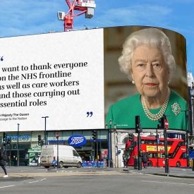 Queen-Elizabeth-II- r